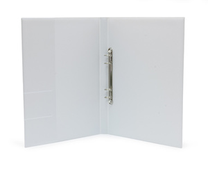Pärm A4 Style pp vit. 25 mm rygg, 16 mm r-mek 21-70-21. Fickor sid 2 för visitkort m.m